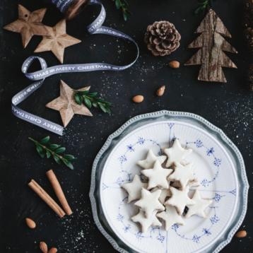 ZIMTSTERNEN – Cinnamon Christmas stars